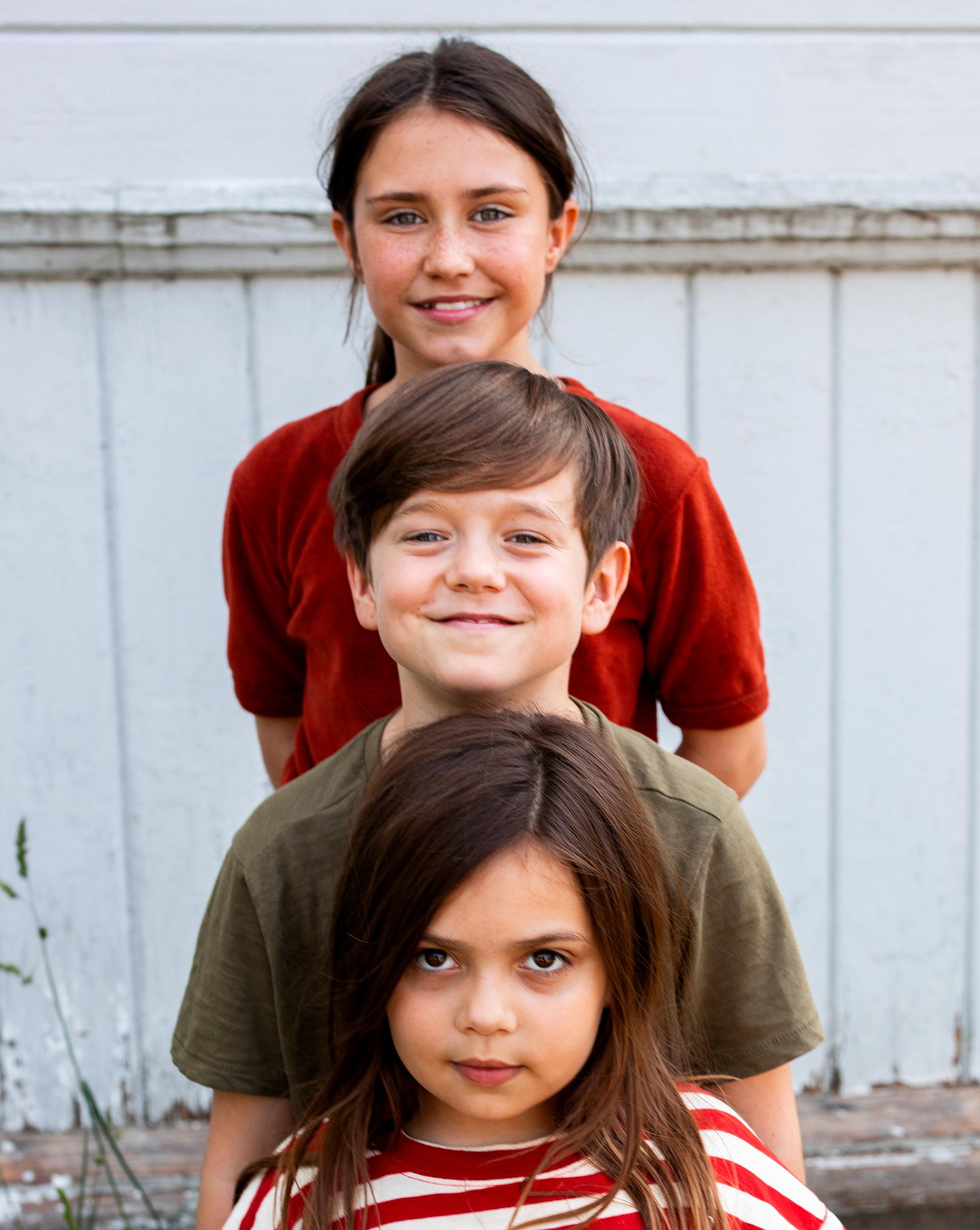 Polly, Nils och Rani som spelar Maja, Lasse och Klara i den nya LasseMaja-filmen.