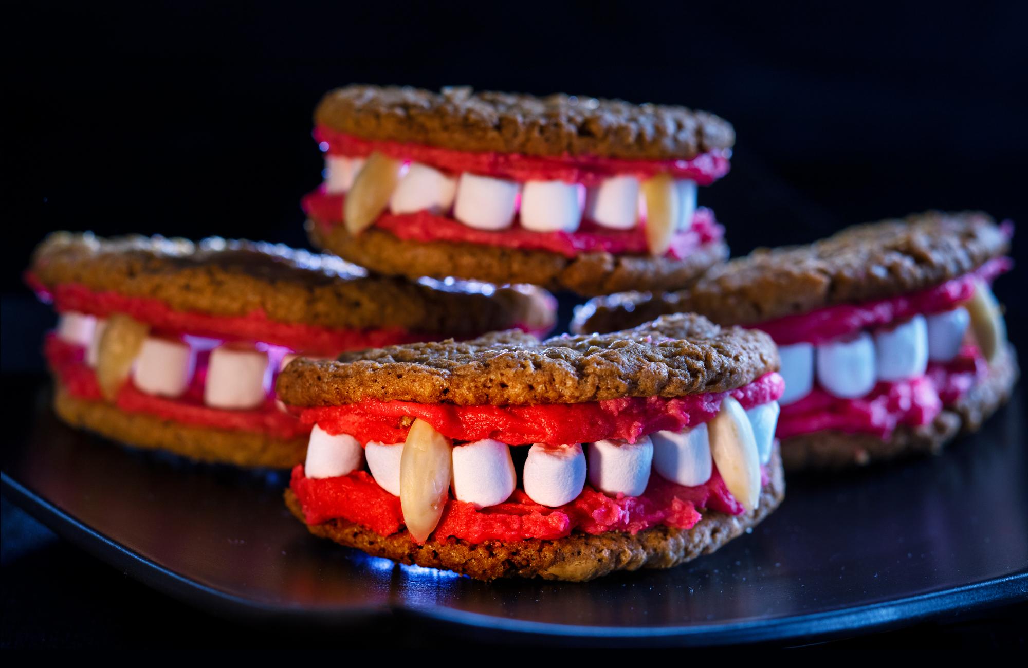 Pyssel-och-Recept_201008_Halloween_Draculas-tander